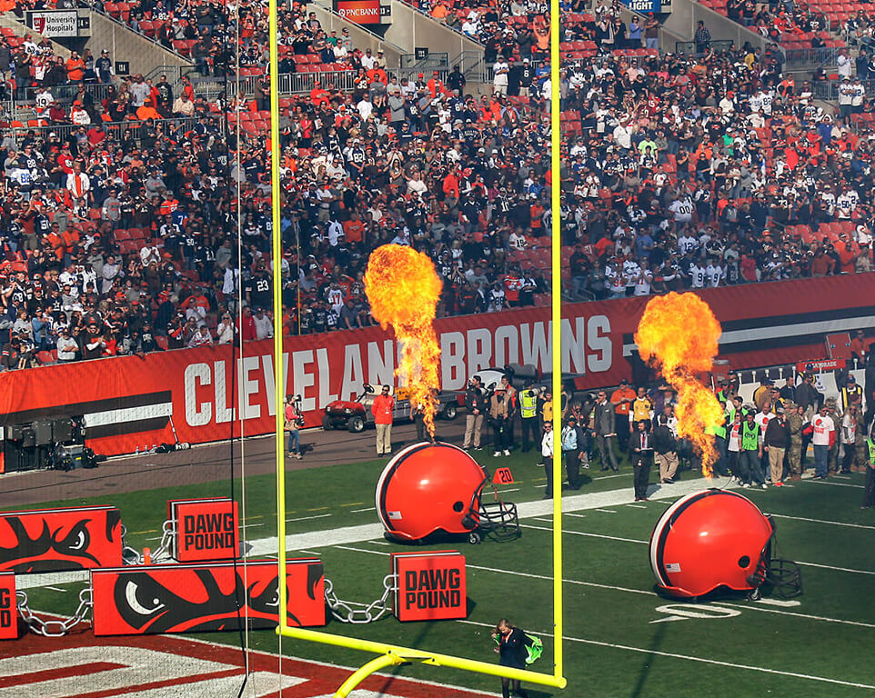 Where do the Cleveland Browns play football?