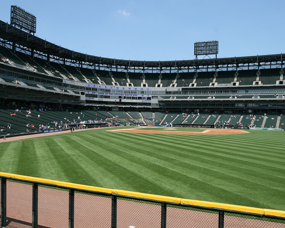 Where do the Chicago White Sox play baseball?