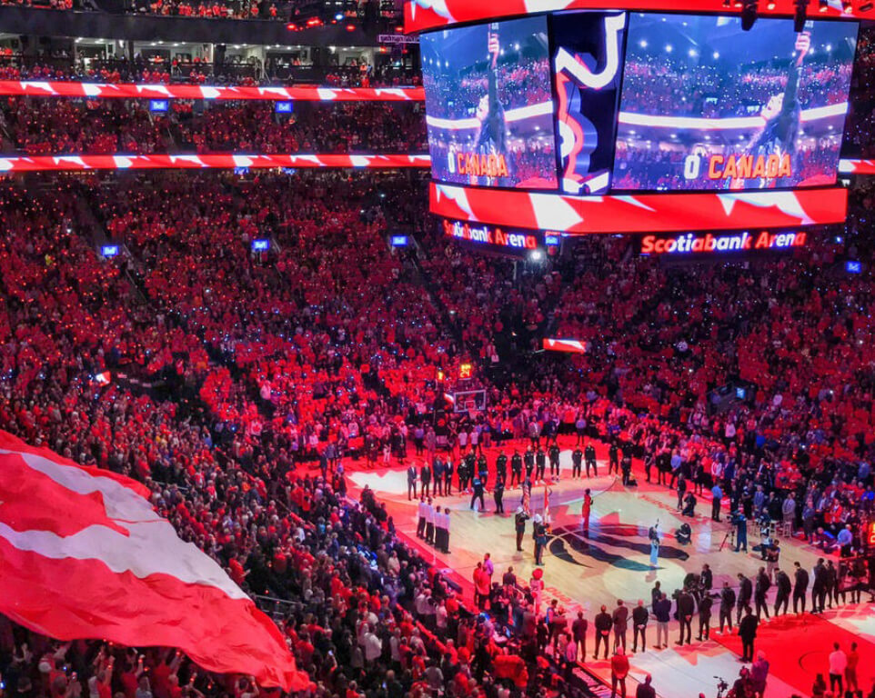 Where do the Toronto Raptors play basketball?