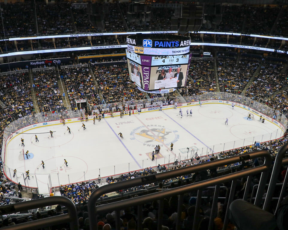 Where do the Pittsburgh Penguins play hockey?