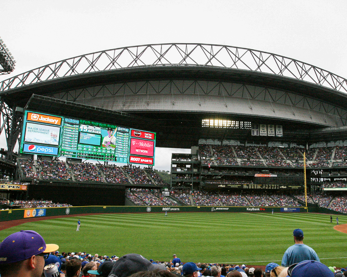 Where do the Seattle Mariners play baseball?