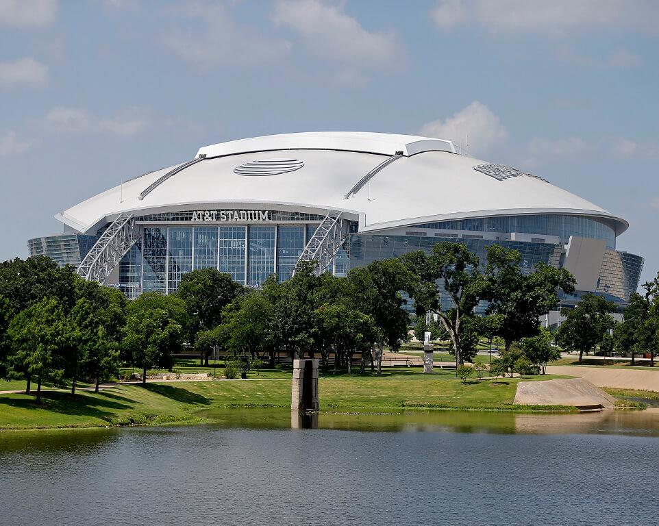 Where do the Dallas Cowboys play football?