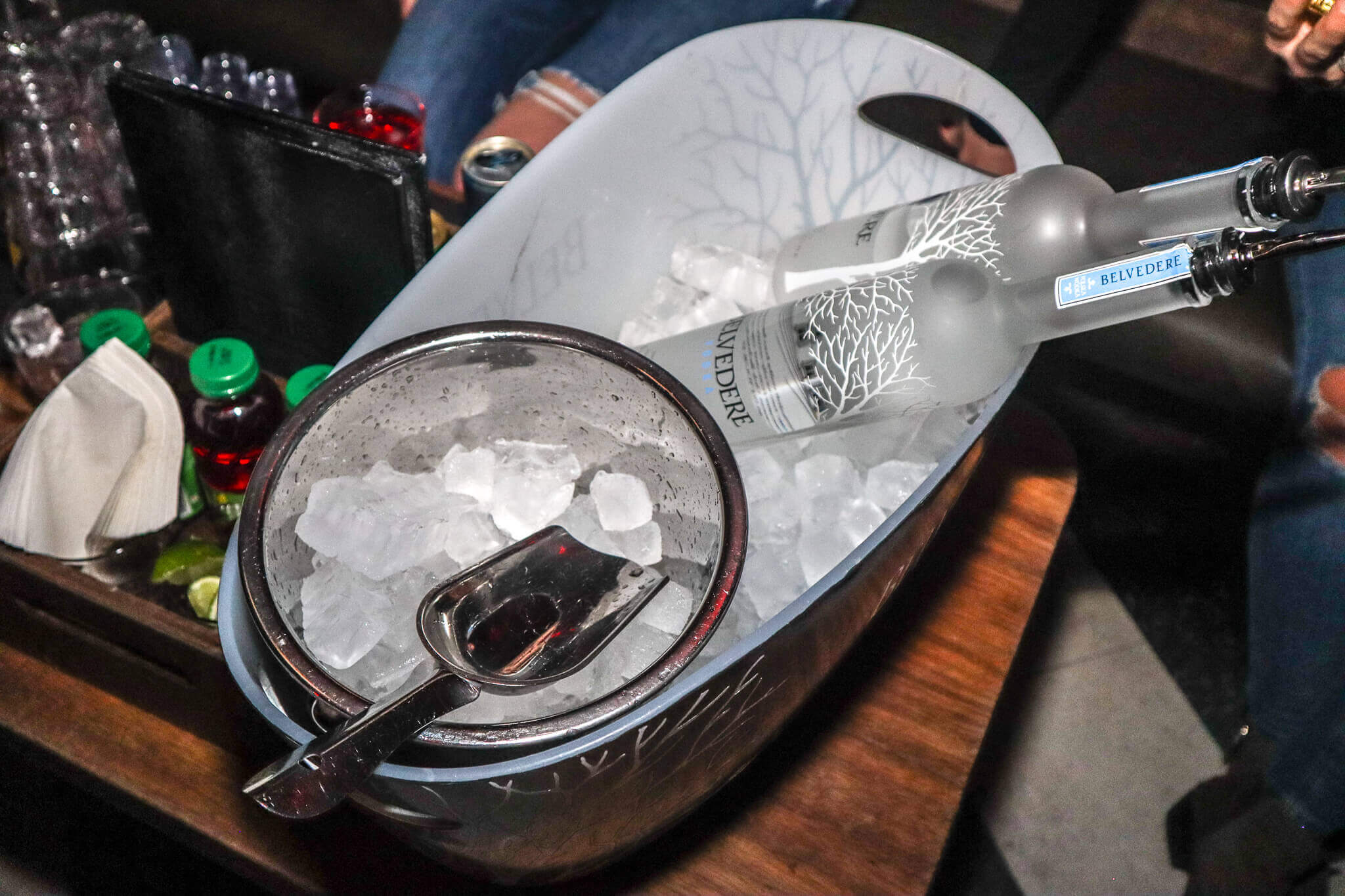 Somwhr Liquor Lounge