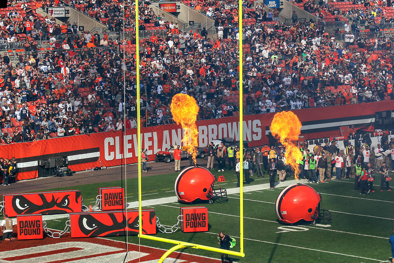Cleveland Browns Bus Tours