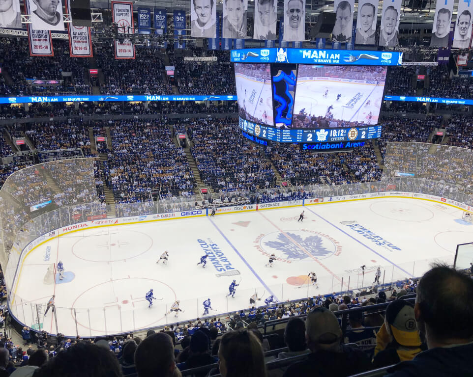 Where do the Toronto Maple Leafs play hockey?