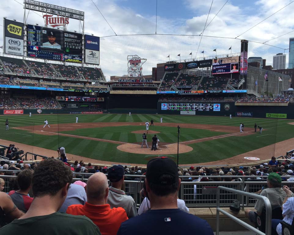 Where do the Minnesota Twins play baseball?