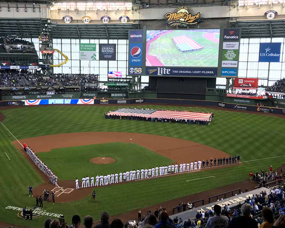 Where do the Milwaukee Brewers play football?
