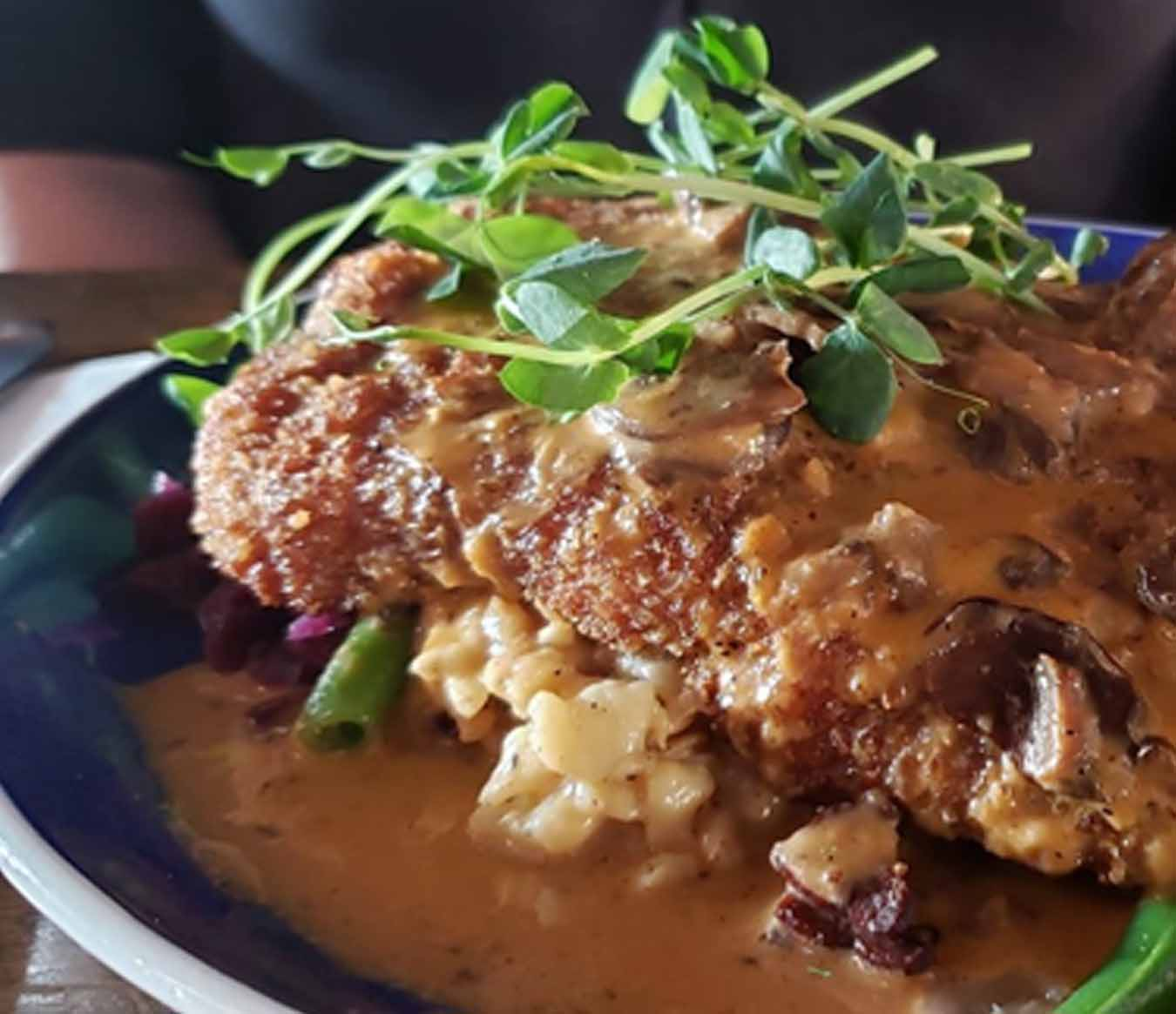 Where to Eat In Ottawa - Central Bierhaus
