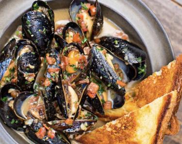 Where to Eat In Atlanta - Ticonderoga Club