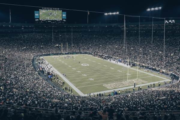 Top 10 Bucket List NFL Stadiums